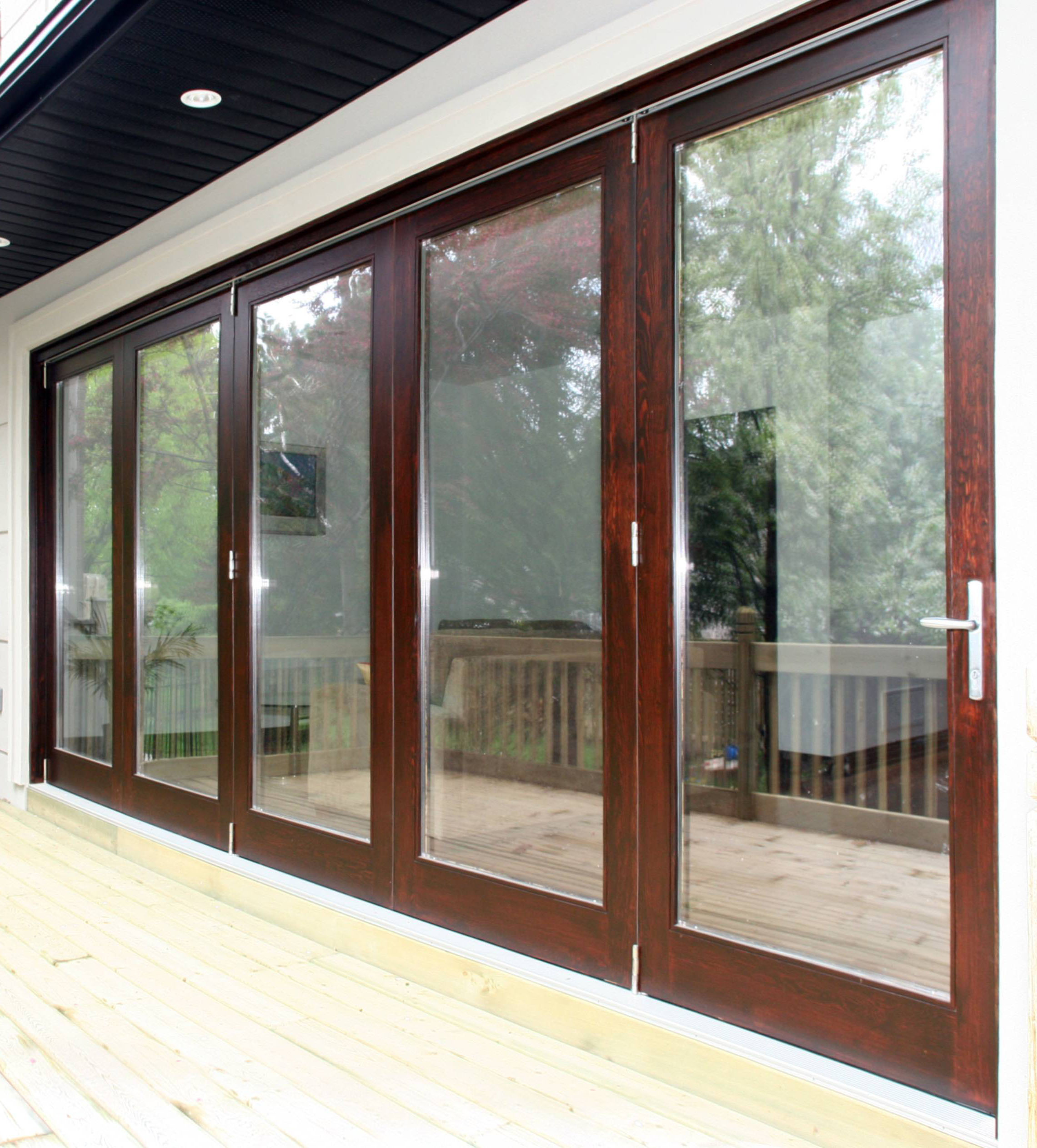 Folding doors custom folding doors home depot for Custom made internal bifold doors